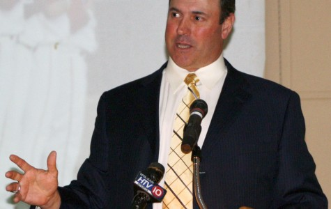 Will Clark speaks at First Pitch Banquet