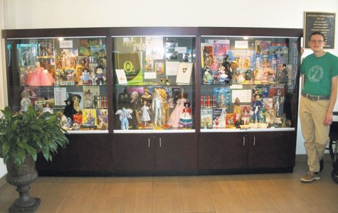 Student collects Wizard of Oz items for public display