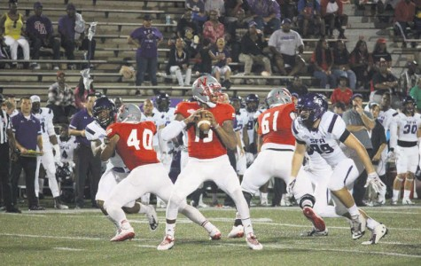 Football focuses on offensive balance versus Lamar