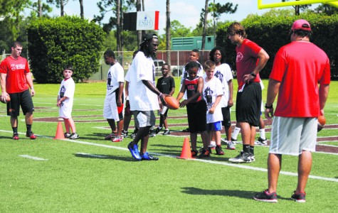 Webb returns to host fourth annual youth football camp