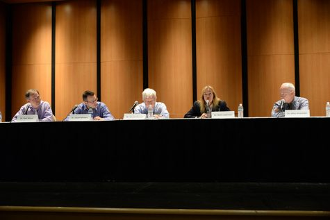 Election forum features faculty opinions on Presidential Candidates