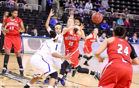 Women's basketball hope to live up to season expectations