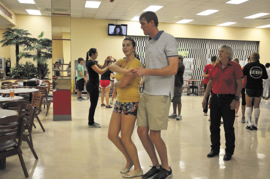Houston zydeco classes & social dancing presented by mixfit.