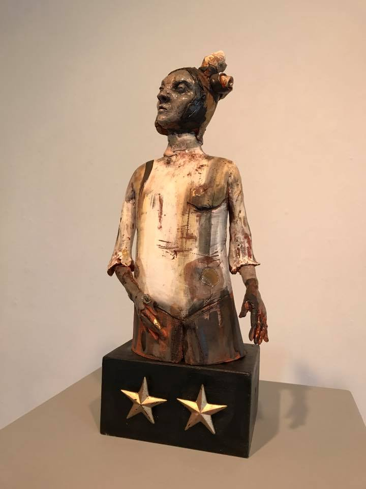 Stacey+Johnson%27s+ceramic+figure+collection+featured+in+the+Ameen+Art+Gallery