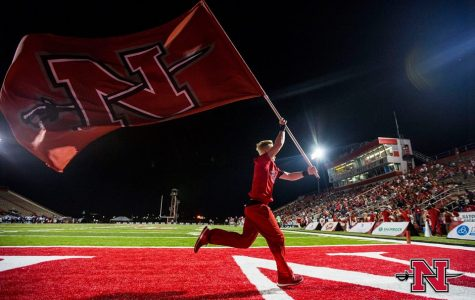 Football faces in-state rival Northwestern for homecoming matchup