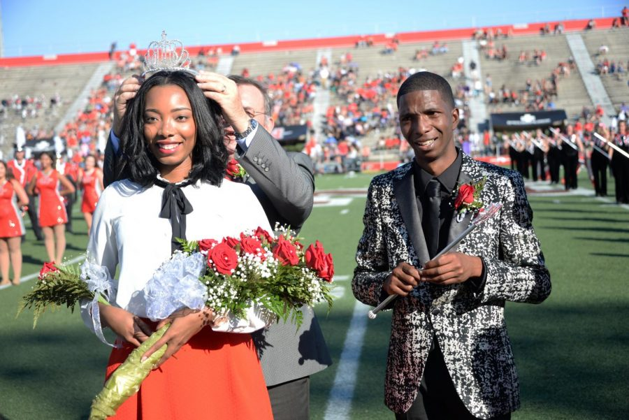 2016 Homecoming Queen Delicia Landry and King Aldrian Smith are crowned on Oct. 8, 2016.