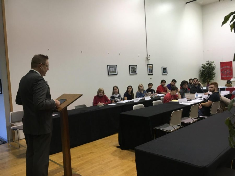 President Jay Clune addresses members of the Student Government Association on Jan. 29.